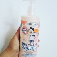 THE WAY SHE SMOOTHES - Soap & Glory